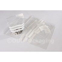 """13"""" x 18"""" (325mm x 450mm) Grip Seal Bags with Panel"""